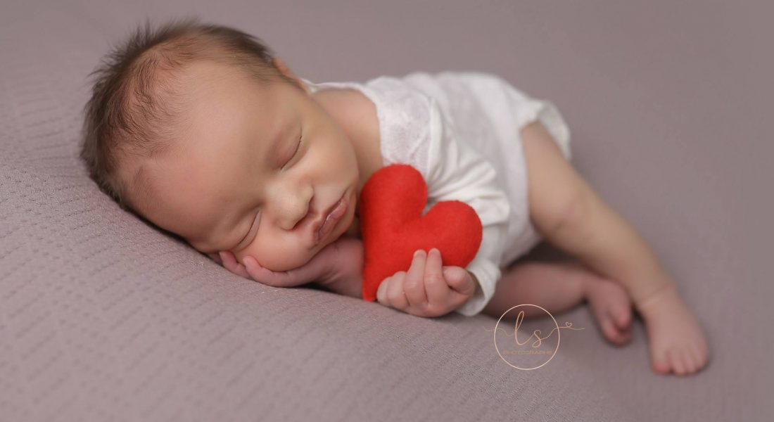 Séance nouveau-né : Les besoins de bébé avant tout