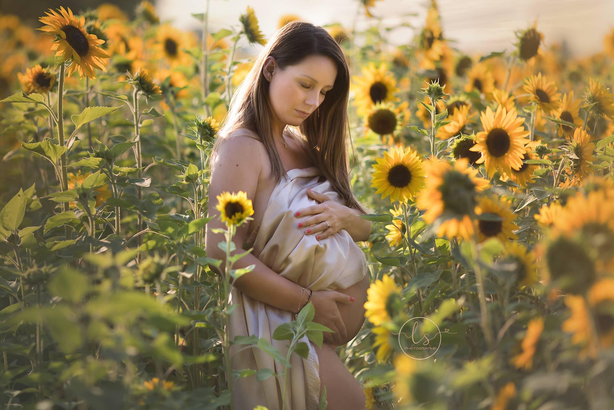 photographe grossesse champs tournesol maternité Belgique Liège