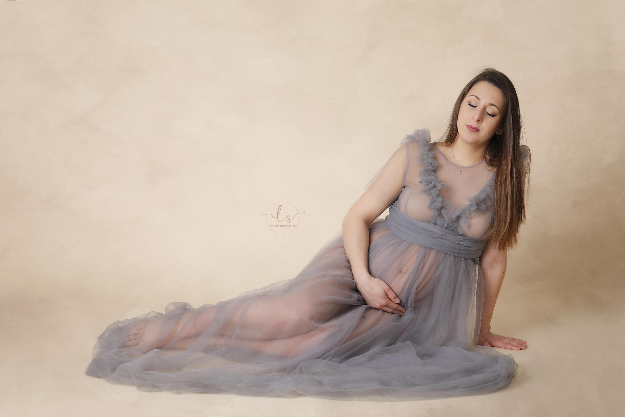 photographe maternité Belgique robe studio
