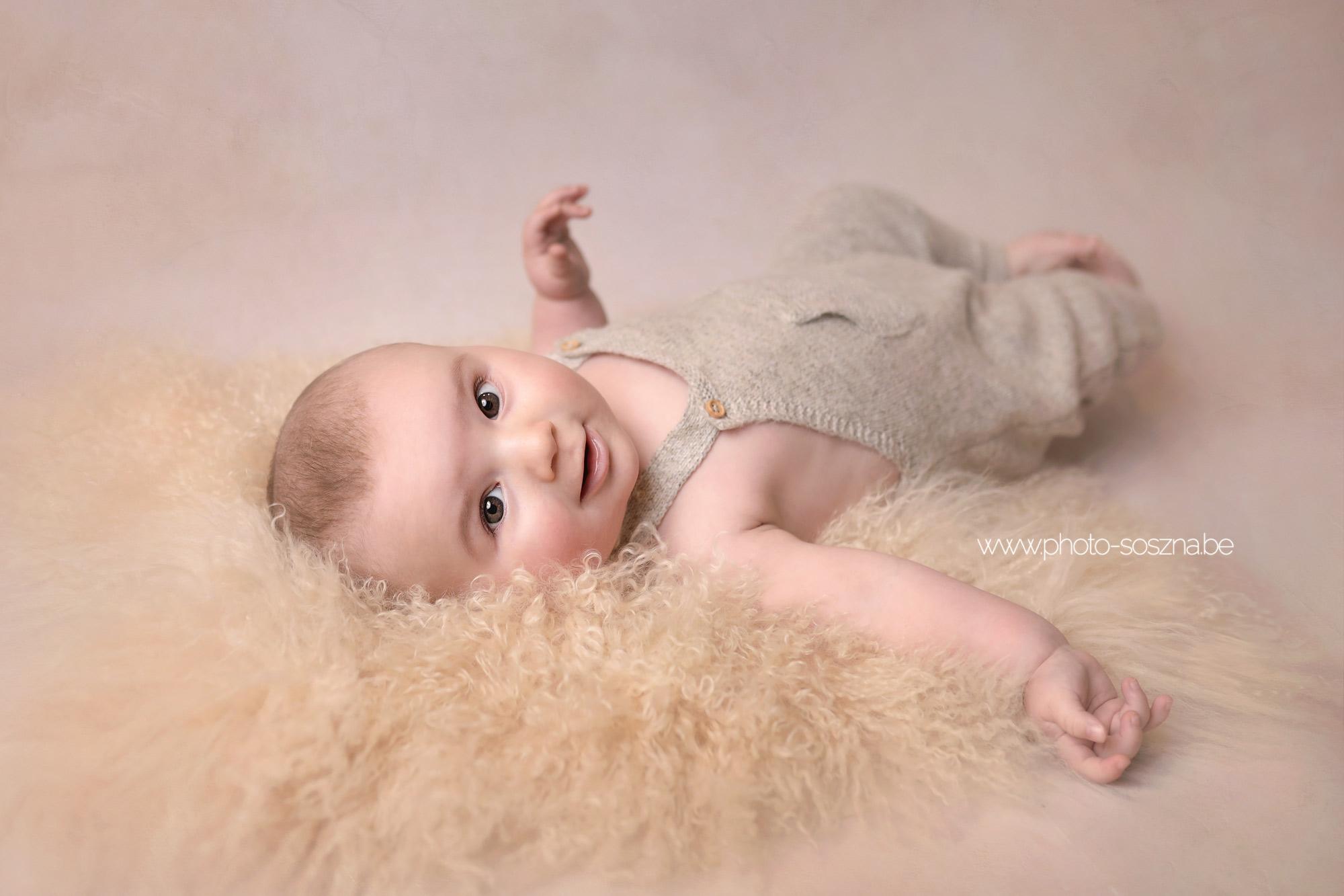 séance photo bébé 6 mois studio Belgique